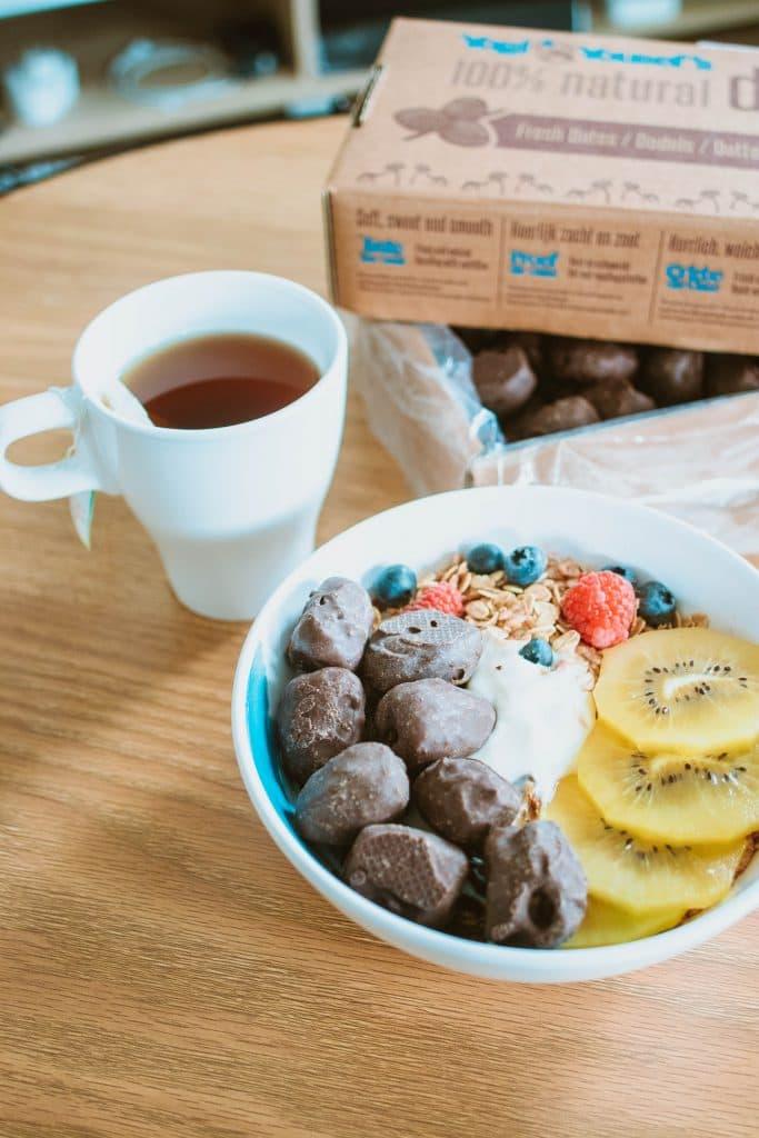 Chocoladedadels bij het ontbijt