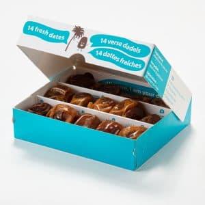 Verse dadels in kleine verpakking - open doos