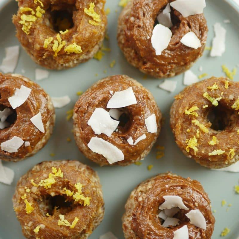 Dadelspread op donuts